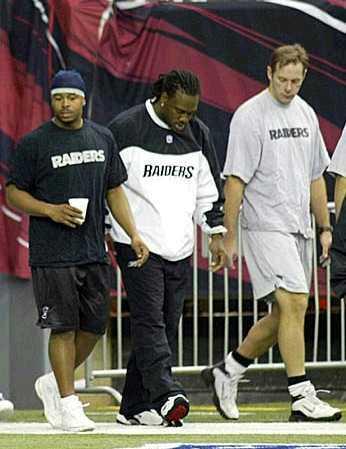 walk-though b/f Falcons game, week 14